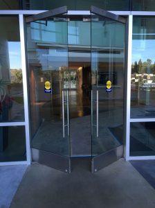 درب شیشه ای برقی