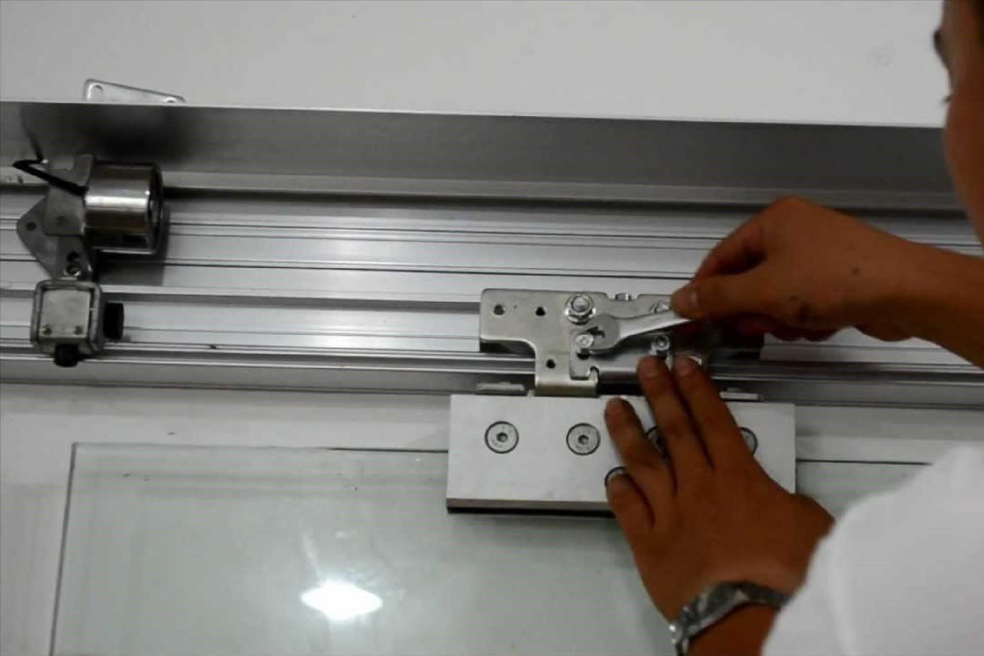 تعمیر جک اتوماتیک و درب برقی