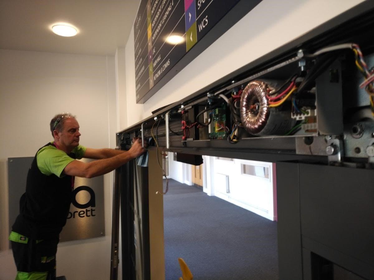 مراکز تعمیر درب اتوماتیک ارزان همراه با ضمانت کاری و کیفیت